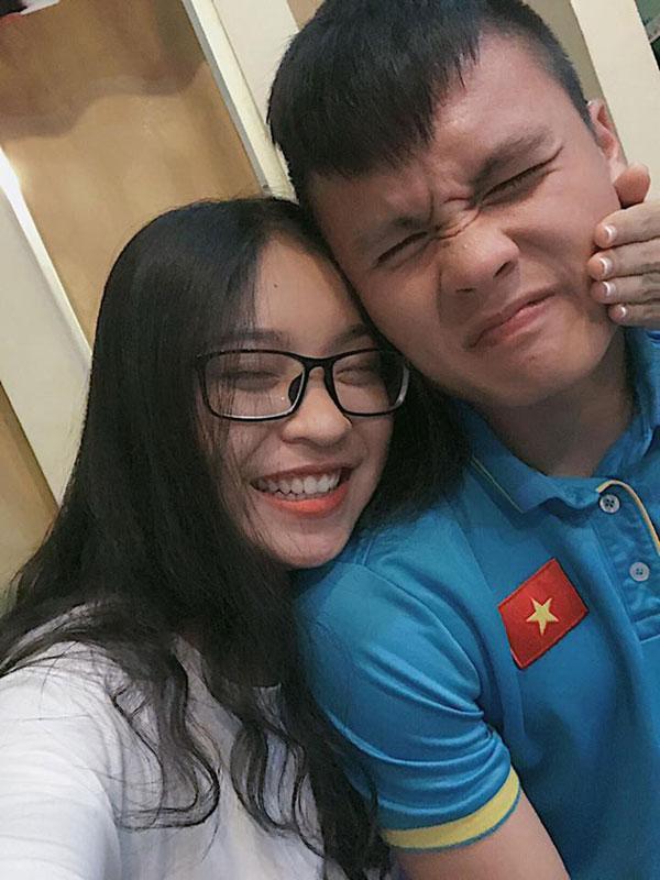 Nhan sắc xinh như mộng của những cô nàng là bạn gái các chân sút đội tuyển U23 Việt Nam-9