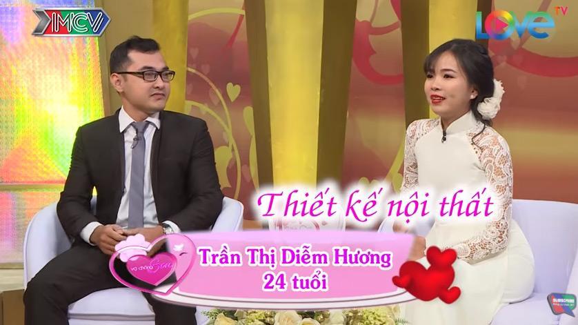 Ai được như anh chồng này, quỳ gối cầu hôn vợ và hứa sẽ yêu em suốt cuộc đời ngay trên sóng truyền hình-2