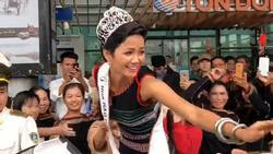 Buôn làng Ê Đê hào hứng chào đón hoa hậu H'Hen Niê ngày trở về