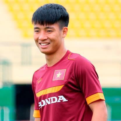 Lộ ảnh thuở bé cực đáng yêu của hậu vệ hot nhất đội tuyển U23 Việt Nam Bùi Tiến Dũng-2