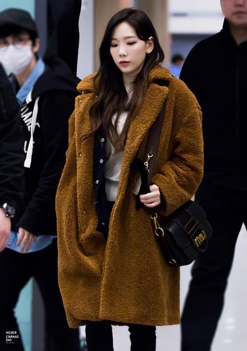Song Hye Kyo - Song Joong Ki chiếm sóng bảng thời trang sao Hàn tuần qua-8