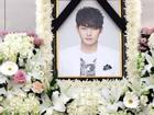 Di ảnh em trai Ha Ji Won tràn sức sống trong đám tang quá lặng lẽ