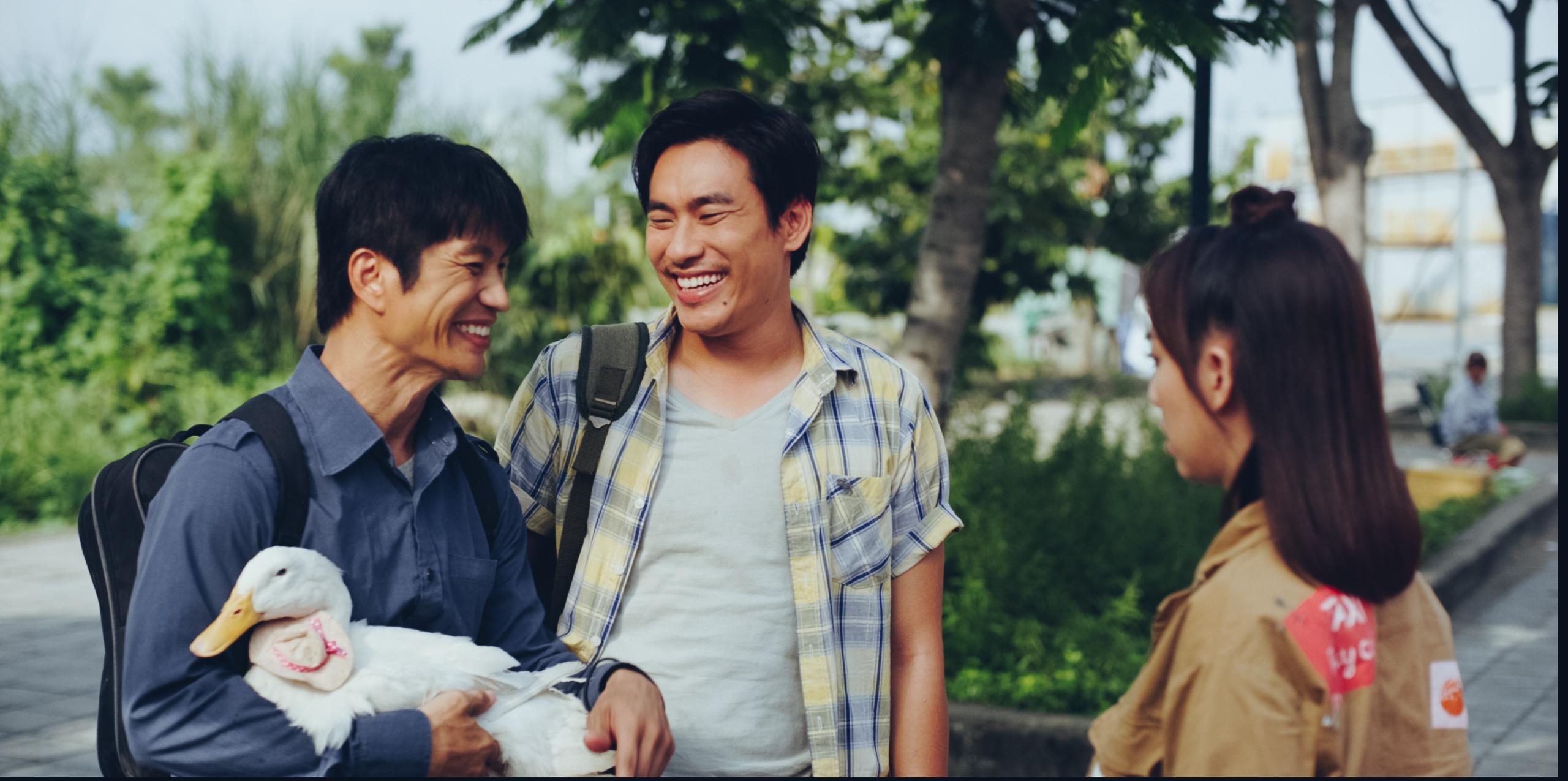 Kiều Minh Tuấn và đồng bọn quậy tưng bừng rạp chiếu phim dịp Tết-3