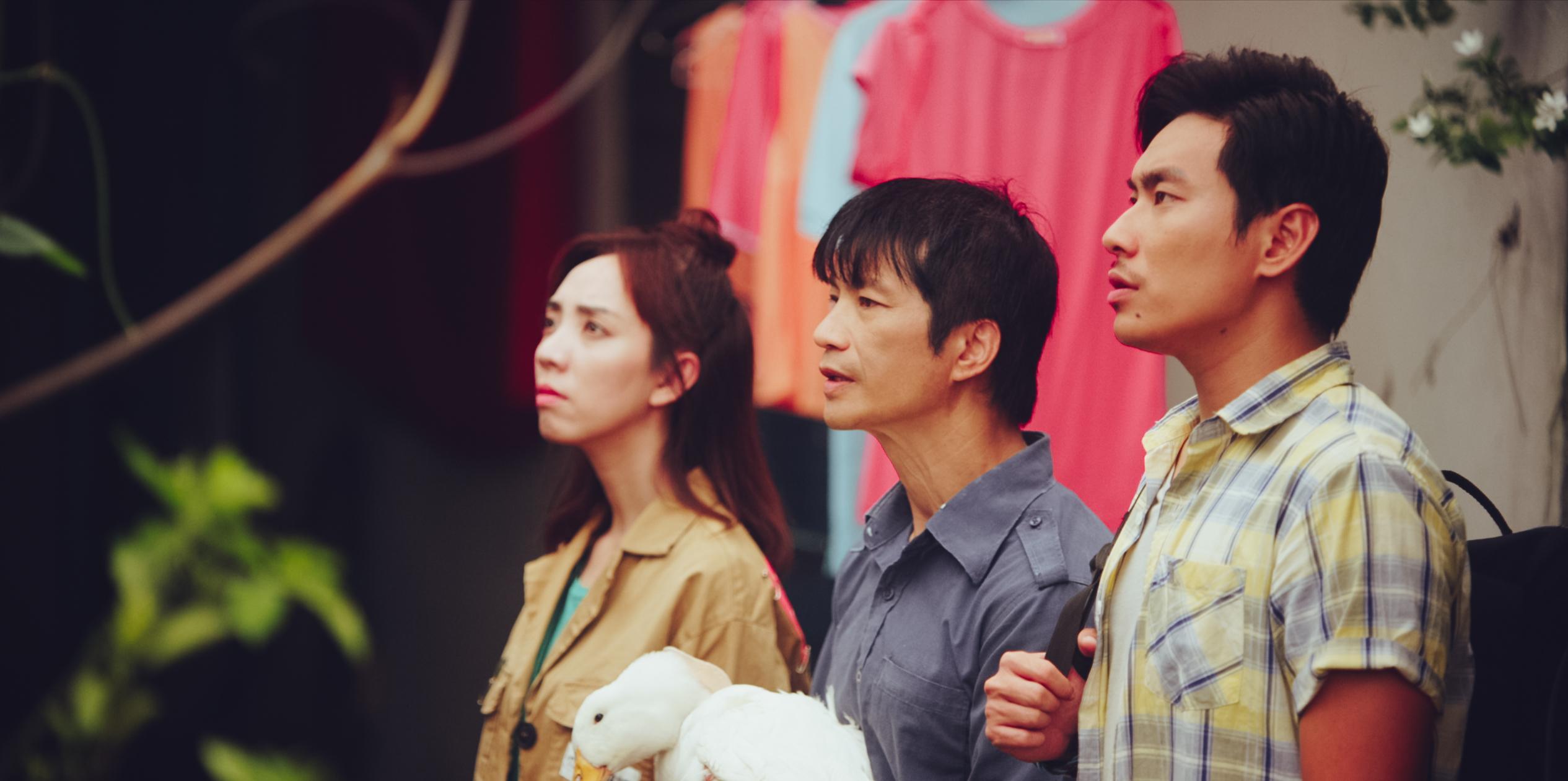 Kiều Minh Tuấn và đồng bọn quậy tưng bừng rạp chiếu phim dịp Tết-5