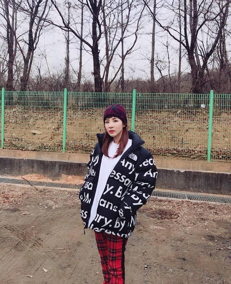 Song Hye Kyo - Song Joong Ki chiếm sóng bảng thời trang sao Hàn tuần qua-1