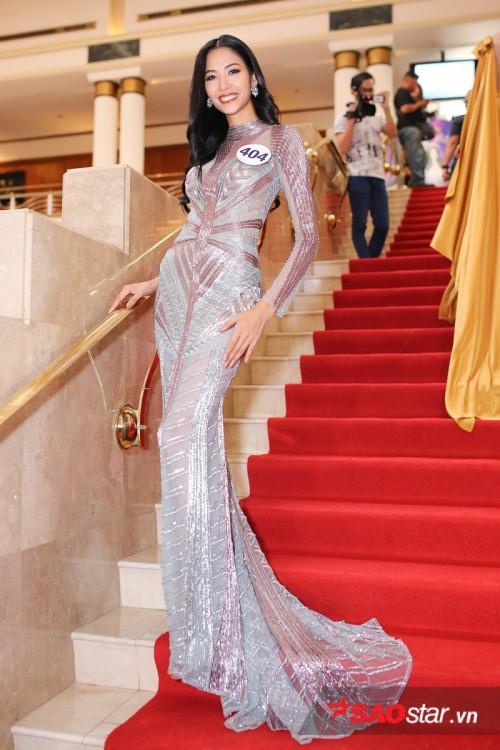 Thanh Mai ăn gian tuổi thành công, lấn lướt Hoàng Thùy khi đụng váy xuyên thấu-4