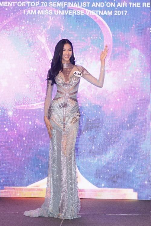 Thanh Mai ăn gian tuổi thành công, lấn lướt Hoàng Thùy khi đụng váy xuyên thấu-5