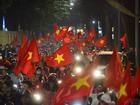 'Đặc sản' đường phố sau trận cầu kinh điển Việt Nam - Qatar: không có gì ngoài cờ đỏ sao vàng