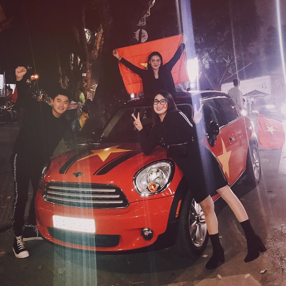 Một đêm đi bão mừng U23 Việt Nam vào chung kết đầy cảm xúc của dàn hot girl - hot boy Việt-6