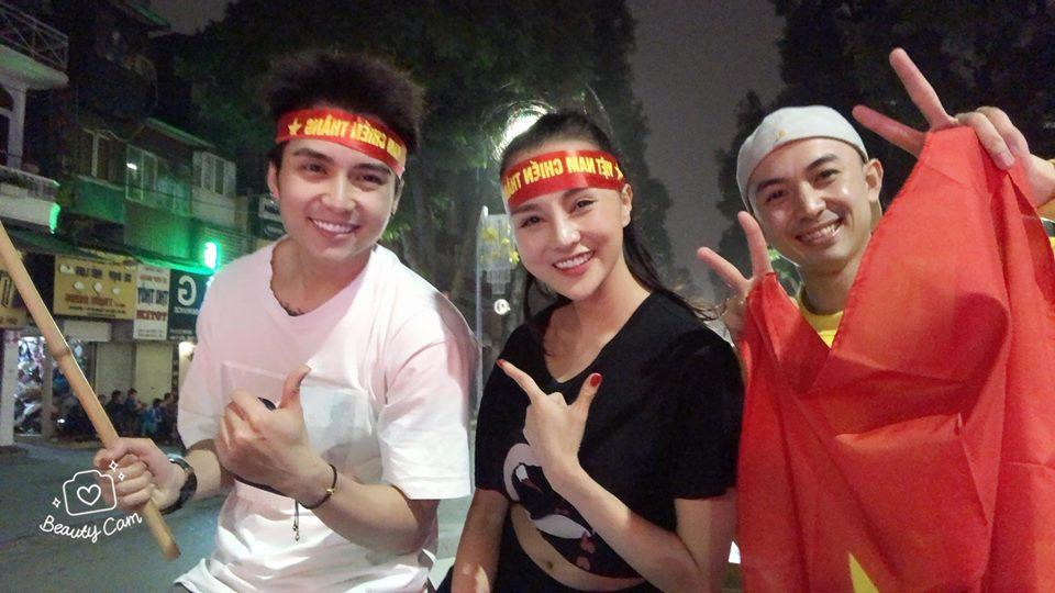 Một đêm đi bão mừng U23 Việt Nam vào chung kết đầy cảm xúc của dàn hot girl - hot boy Việt-7