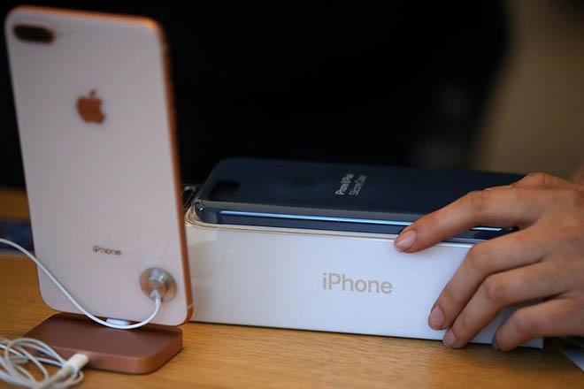 CẢNH BÁO: Sau 18 tháng, pin iPhone X, 8 và 8 Plus sẽ bị hao mòn-1