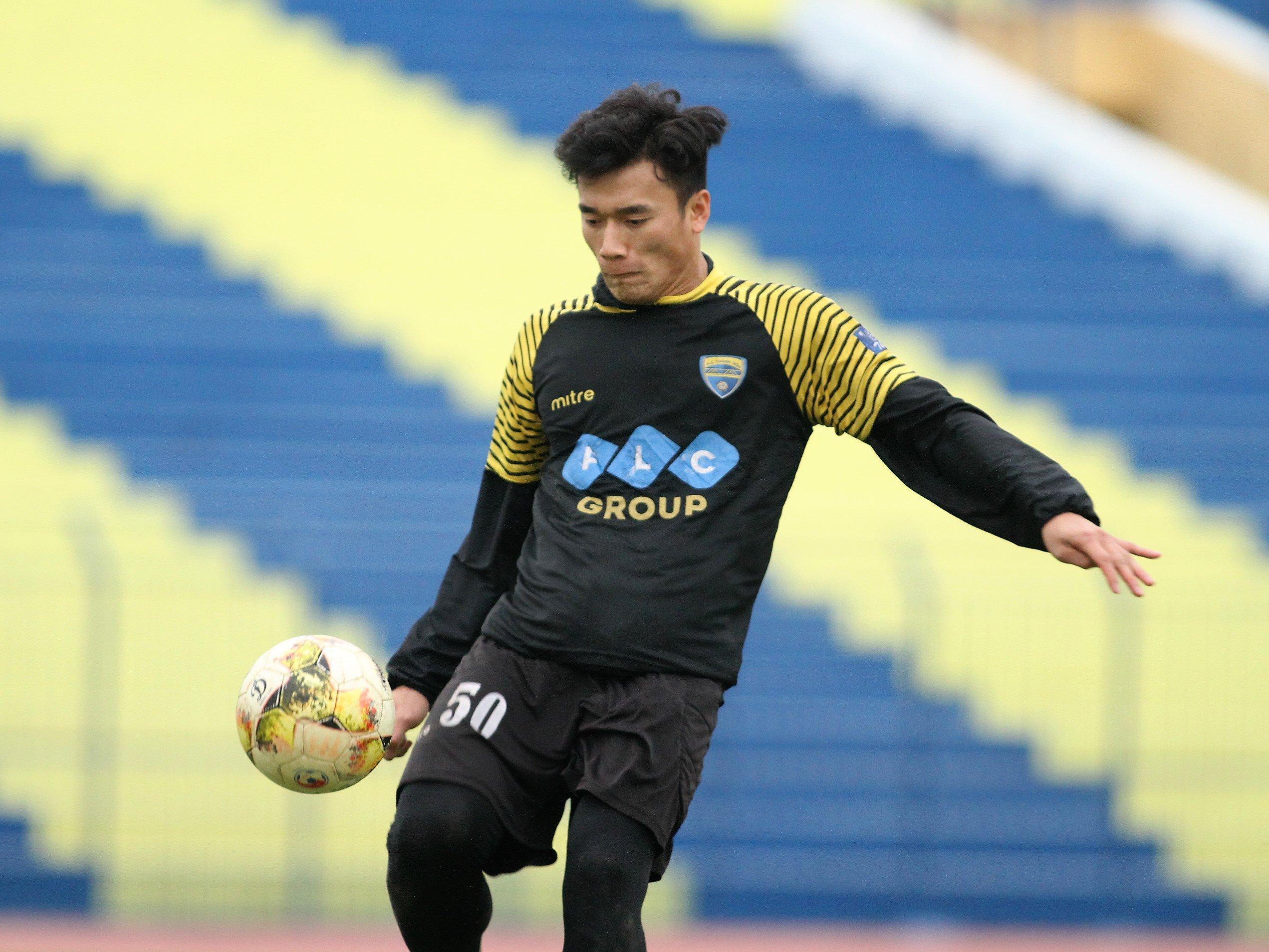 Khám phá nhân tướng xuất sắc của thủ môn Bùi Tiến Dũng, người hùng U23 Việt Nam khiến vạn chị em mê-5