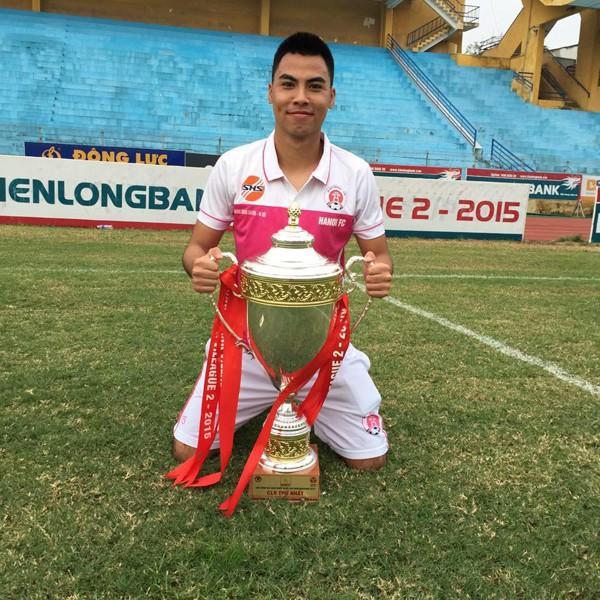 Tiền vệ U23 Việt Nam gạt nỗi đau mất người thân thi đấu hết mình cùng đồng đội giành chiến thắng-4