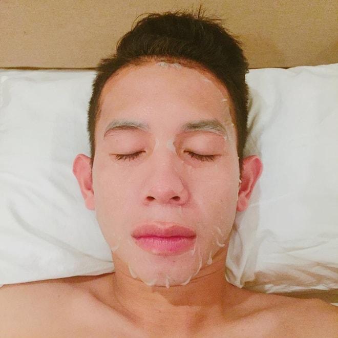 Hồng Duy Pinky mê đắp mặt nạ, Quang Hải - Công Phượng điệu chẳng kém khi nghiện son-5