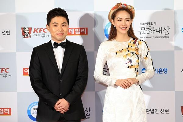 Bạn trai Soo Young (SNSD) chăm chú lắng nghe Minh Hằng thể hiện khả năng nói tiếng Hàn-3