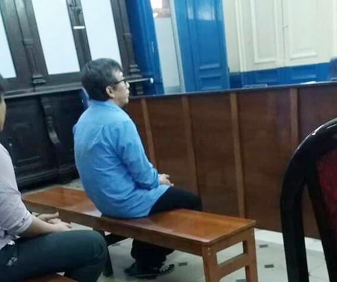 Hiếp dâm bé gái câm điếc 13 tuổi khiến có thai, gã hàng xóm đồi bại bật khóc tại tòa, xin giảm nhẹ hình phạt-1