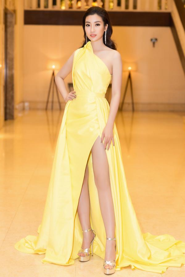 Angela Phương Trinh - Đỗ Mỹ Linh công phá thảm đỏ với sắc vàng rực rỡ nhất tuần qua-4