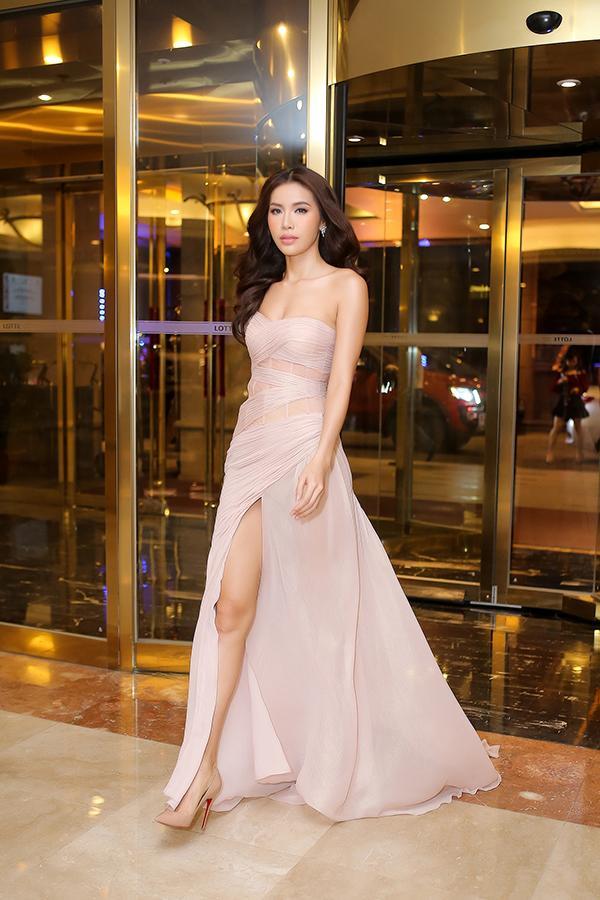 Angela Phương Trinh - Đỗ Mỹ Linh công phá thảm đỏ với sắc vàng rực rỡ nhất tuần qua-6