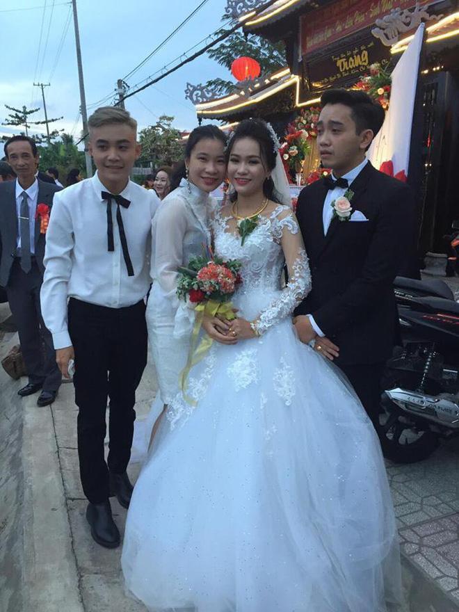 Anh chồng khóc như mưa giữa đám cưới suýt bị bố mẹ vợ từ chối vì thấy trẻ, đẹp trai-1