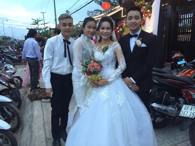 Anh chồng khóc như mưa giữa đám cưới suýt bị bố mẹ vợ từ chối vì thấy trẻ, đẹp trai-2