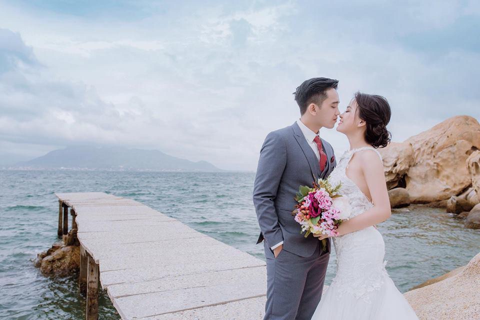 Anh chồng khóc như mưa giữa đám cưới suýt bị bố mẹ vợ từ chối vì thấy trẻ, đẹp trai-8