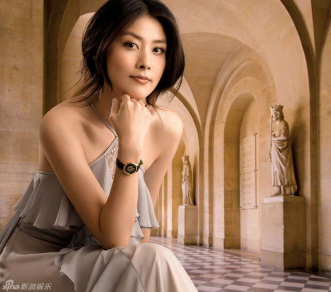 Gia thế khủng của Hoa hậu Hong Kong khiến trùm xã hội đen khét tiếng cũng phải kính nể-1