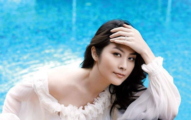 Gia thế khủng của Hoa hậu Hong Kong khiến trùm xã hội đen khét tiếng cũng phải kính nể-6
