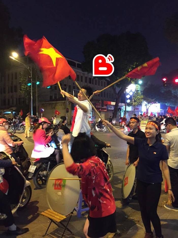 Ấn tượng với tổng thiệt hại sau màn cổ vũ U23 Việt Nam cuồng nhiệt của người hâm mộ-3