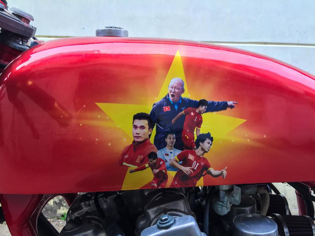 Dàn xe độ tem cổ vũ U23 Việt Nam trước trận chung kết-6