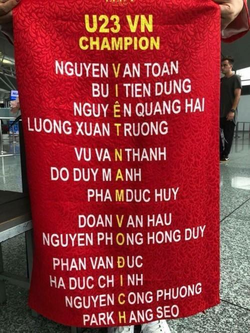 Thật bất ngờ, tên các cầu thủ Việt Nam ghép lại tạo thành 'câu khẩu quyết' quen thuộc mà ai cũng 'niệm chú'-1