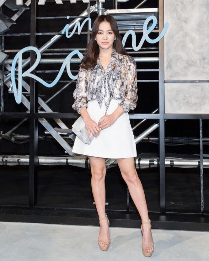 Nghịch lý Song Hye Kyo: Ăn vận kiểu cách thì sến nhưng luộm thuộm chút lại chất đừng hỏi-2