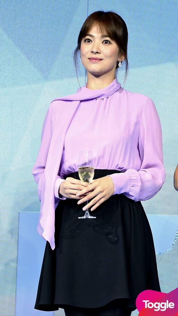 Nghịch lý Song Hye Kyo: Ăn vận kiểu cách thì sến nhưng luộm thuộm chút lại chất đừng hỏi-5
