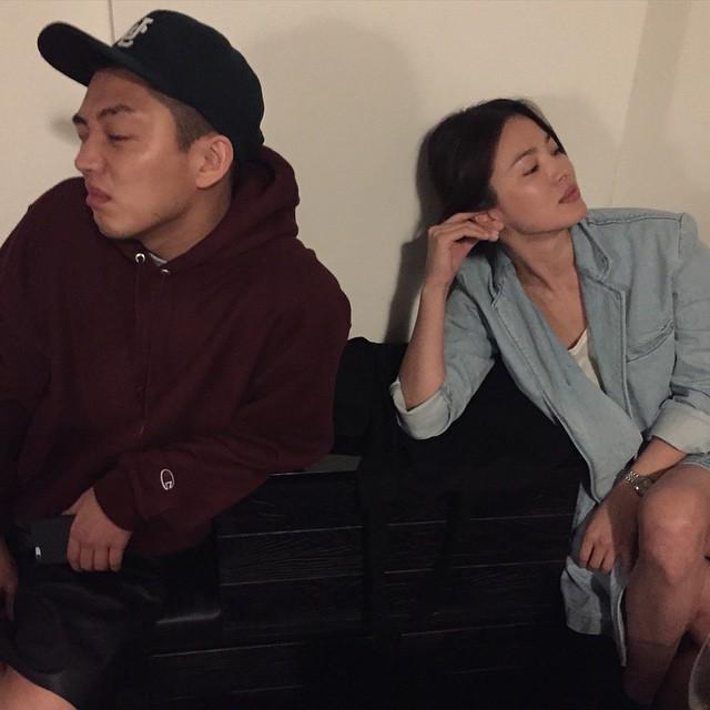 Nghịch lý Song Hye Kyo: Ăn vận kiểu cách thì sến nhưng luộm thuộm chút lại chất đừng hỏi-7