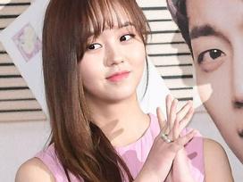 Sao Hàn 27/1: Kim So Hyun bị chê gu thời trang già trước tuổi