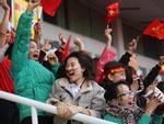 Sân vận động Mỹ Đình bùng nổ trong thời khắc Quang Hải ghi bàn gỡ hòa cho U23 Việt Nam