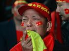 Clip: Cổ động viên khóc tu tu vì tiếc nuối khi U23 Việt Nam hụt cúp vàng