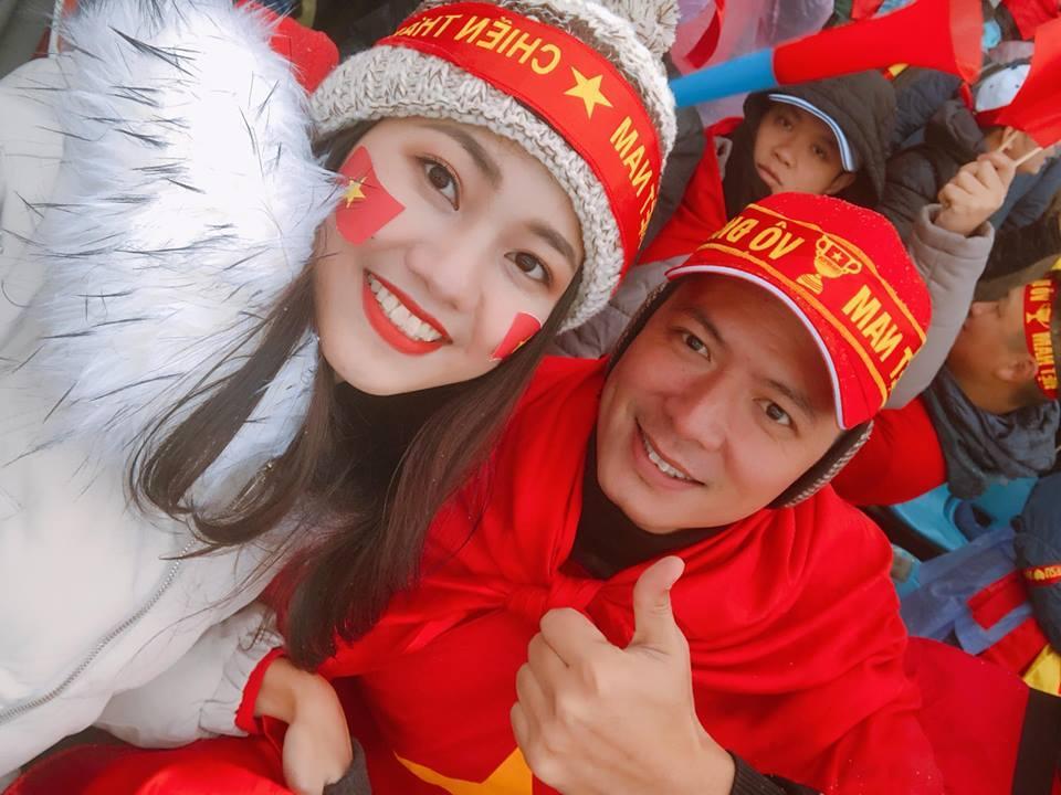 Á Hậu Thanh Tú selfie cùng HLV Park Hang-seo và Quang Hải-3