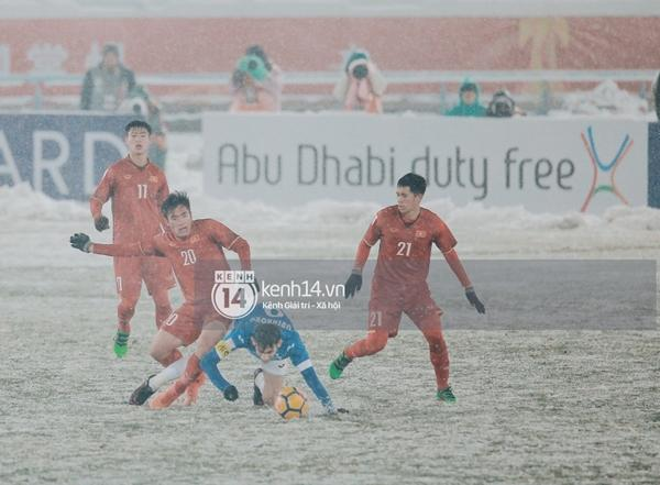 Chùm ảnh độc quyền: U23 Việt Nam đã để lại quá nhiều cảm xúc trên sân và trong hàng triệu trái tim CĐV-11