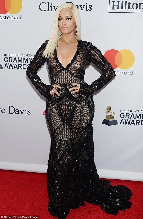 Loạt sao xuất hiện lộng lẫy, khoe đường cong bốc lửa trên thảm đỏ tiệc tiền Grammy 2018-2