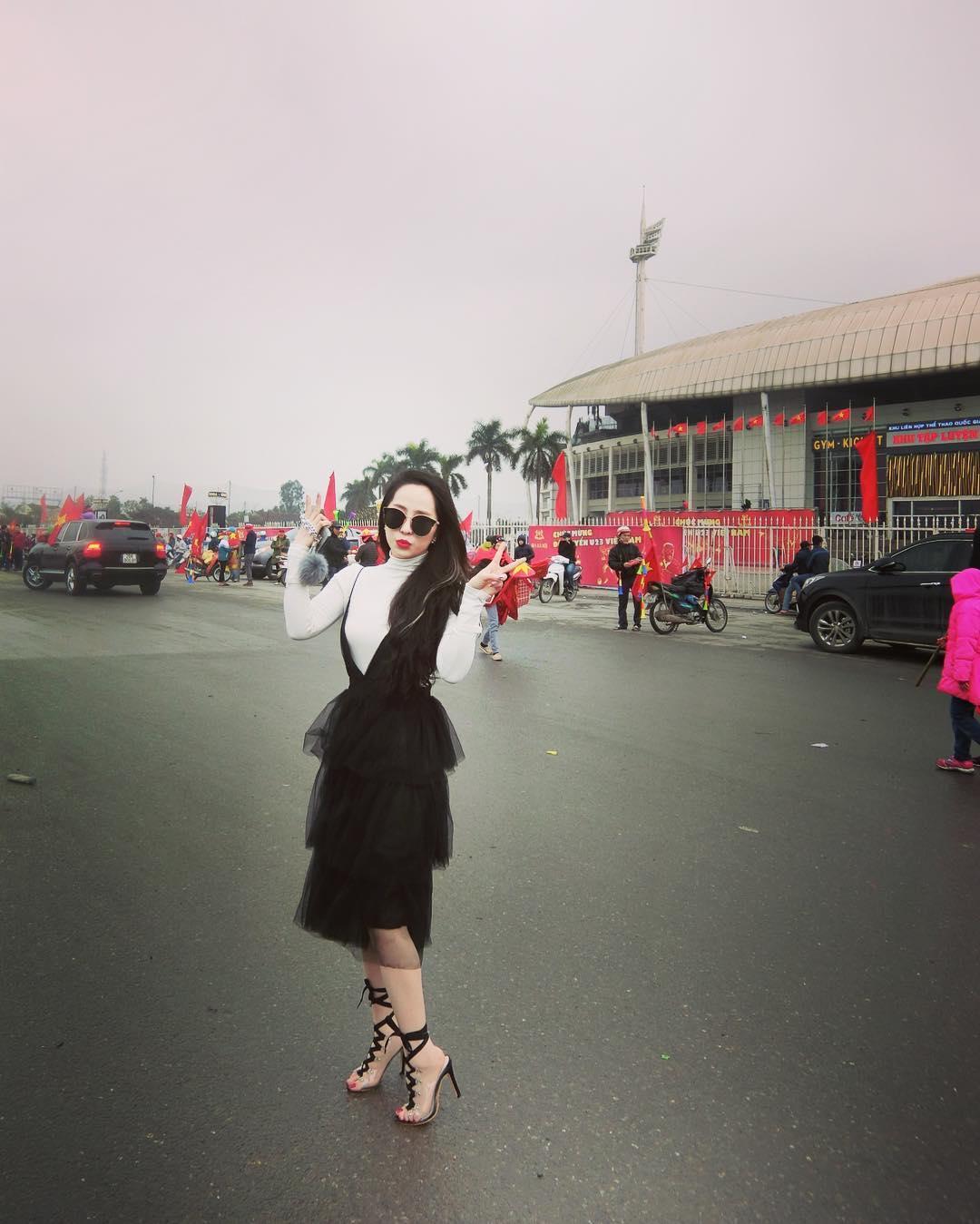 Tin sao Việt: Phương Mỹ Chi thú nhận lần đầu coi bóng đá là vì anh Xuân Trường-2