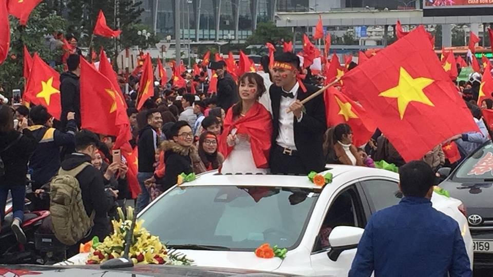 Đoàn xe dâu đặc biệt được cả triệu người chung vui trong ngày đón tuyển U23 trở về-1