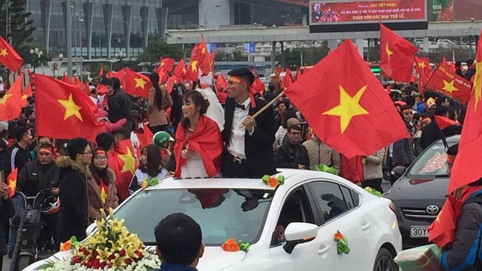 Đoàn xe dâu đặc biệt được cả triệu người chung vui trong ngày đón tuyển U23 trở về-2