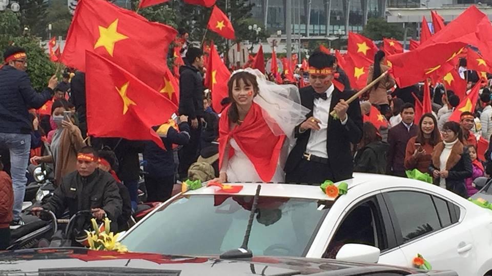 Đoàn xe dâu đặc biệt được cả triệu người chung vui trong ngày đón tuyển U23 trở về-3