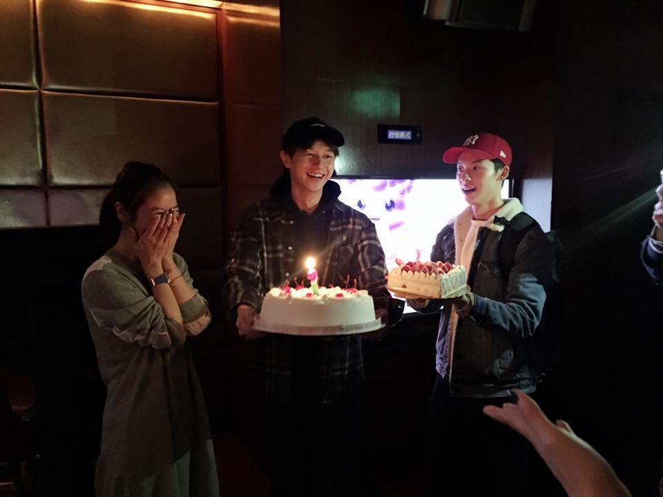 Lâm Tâm Như tự tin để mặt mộc, nắm chặt tay Hoắc Kiến Hoa trong tiệc sinh nhật-8