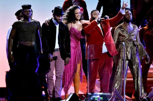 Nhận Grammy và diễn sexy, Rihanna sẽ xuất hiện hoàn hảo hơn nếu không phát phì thế này-6
