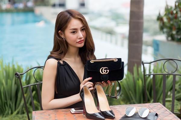 Ngắm những món hàng hiệu đắt xắt ra miếng của người mẫu Linh Chi-5