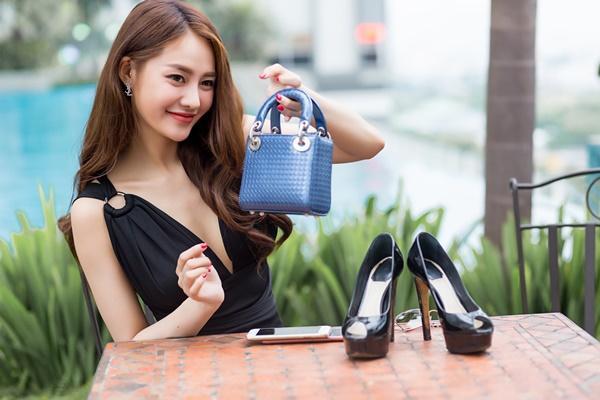 Ngắm những món hàng hiệu đắt xắt ra miếng của người mẫu Linh Chi-10