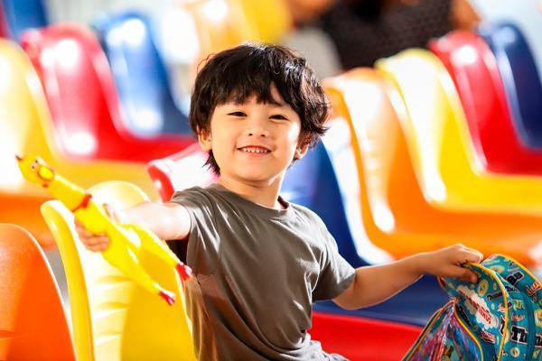 Trịnh Thăng Bình bất ngờ trở thành ông ngoại ở tuổi 30-5