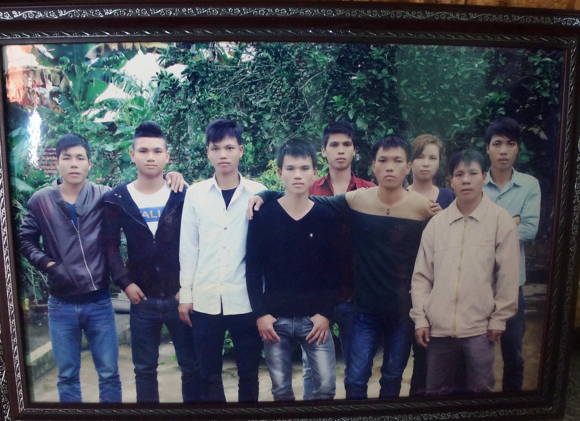 Hậu vệ Phạm Xuân Mạnh: Có tiền thưởng con gửi về để bố mẹ trả nợ-3
