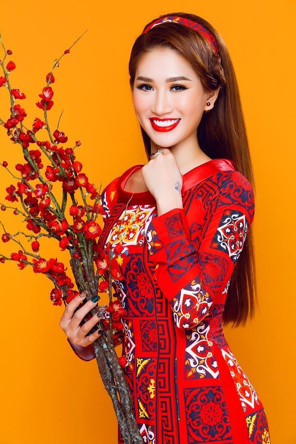 Người mẫu Quỳnh Thi gây thương nhớ với áo dài xuân-3
